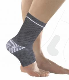 Knitted ankle support with silicon pads