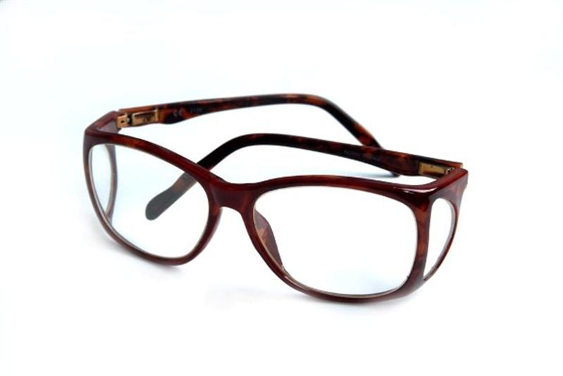 lead glasses