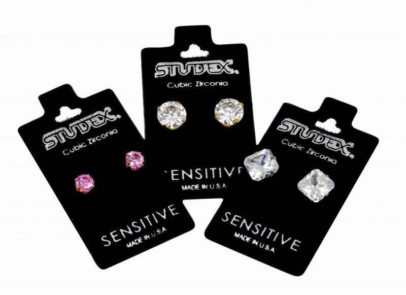 Sensitive earrings in puffpad