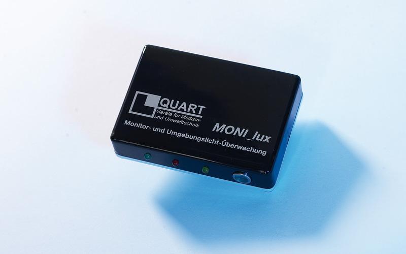 QUART MONI_lux