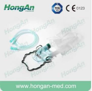 Oxygen mask with reservoir bag