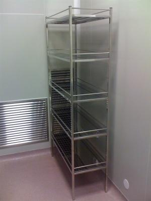 Cleanroom shelving
