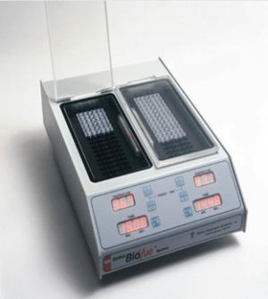 Gel-card Incubator