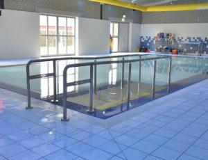 Movable Swimming Pool Floors for rehabilitation pools in medical sector.