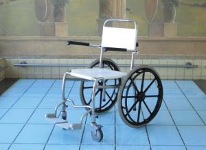 Transfer aid to transfer patient in and out therapy pools | EWAC Medical