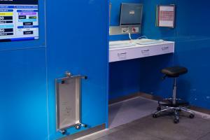 MEDglas® SPECIALS - Workstation  - Medik Hospital Design GmbH - MEDIK Hospital Design GmbH