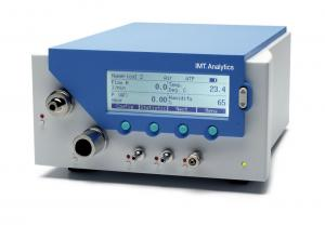 Premium bench-top ventilator tester for engineers and health care professionals. Test, verify and calibrate any kind of medical device that exerts pressure or produces flow such as ventilators, respirators and anaesthesia machines.   The FlowAnalyser measures bi-directionally flow, various pressures, temperature, humidity and O2 concentrations.